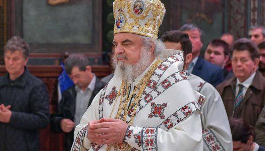 Patriarhul Daniel către românii de pretutindeni: Îi îndemnăm să fie permanent în legătură cu cei dragi rămași în ţară
