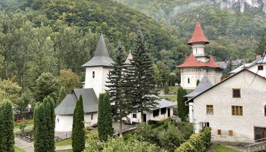 Ședința de lucru a Sinodului Mitropolitan al Mitropoliei Ardealului, desfășurată la Mănăstirea Râmeț